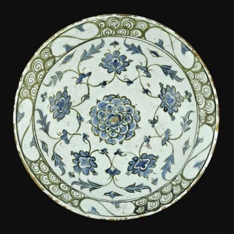 Iznik monochrome pottery dish Turkish C17th